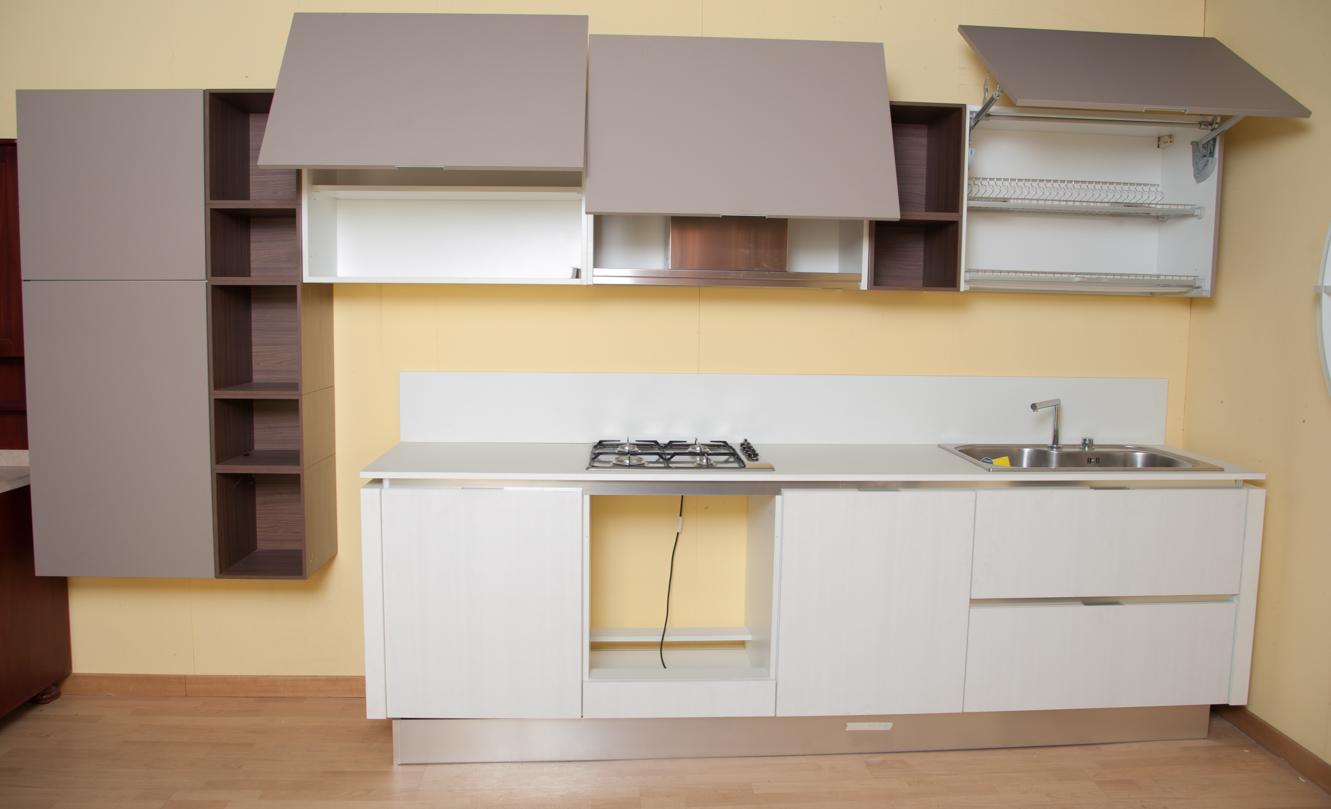 Cucina lineare Zaccariotto - I.Re.C. recuperi